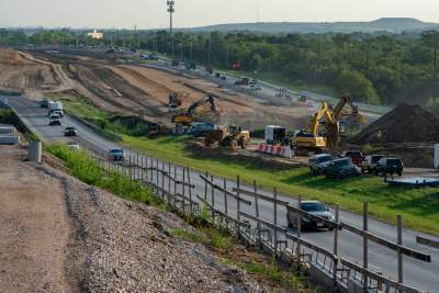 Excavation near Loyola Lane for future expressway mainlanes