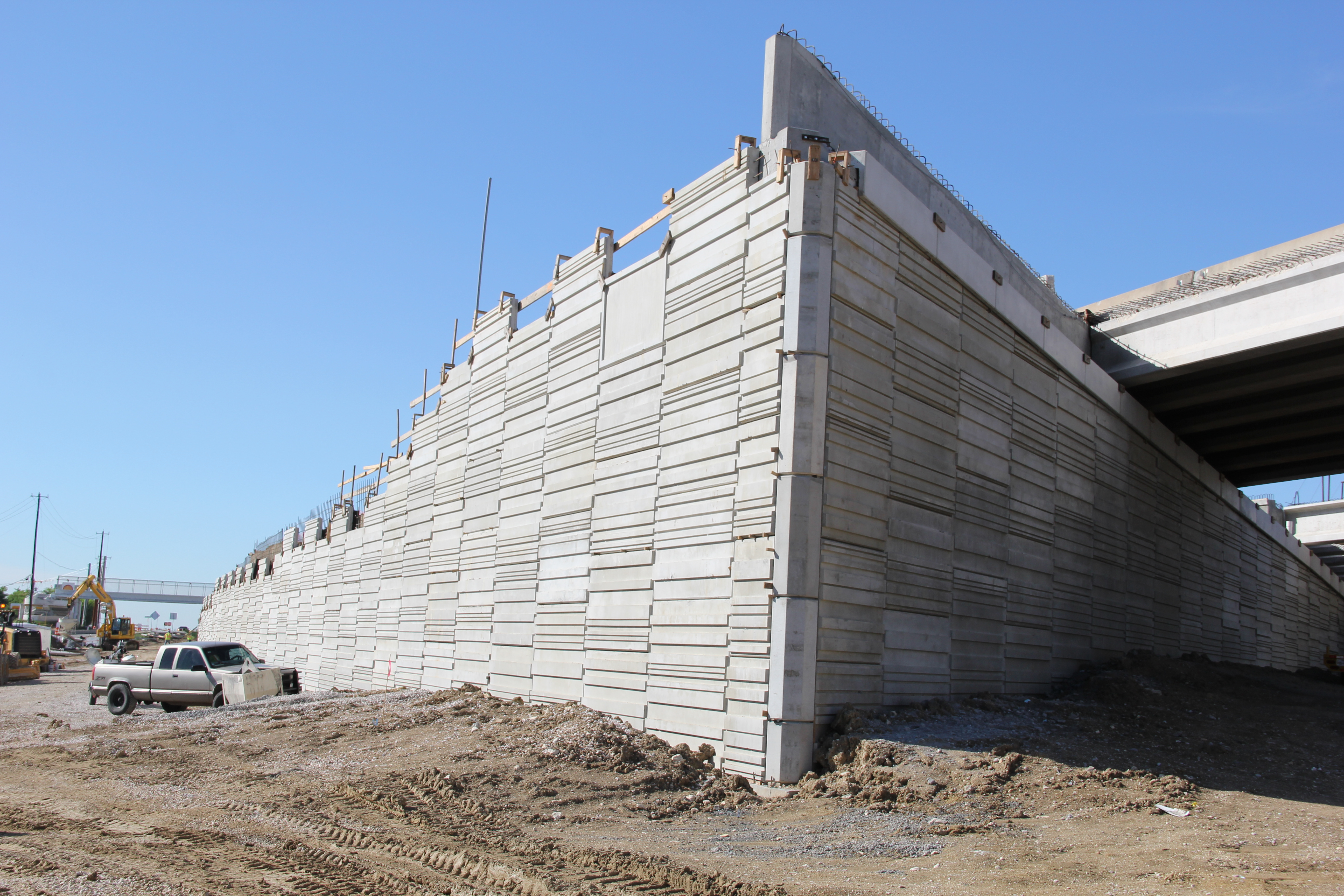 Precast Retaining Wall Construction at Springdale/Manor Road