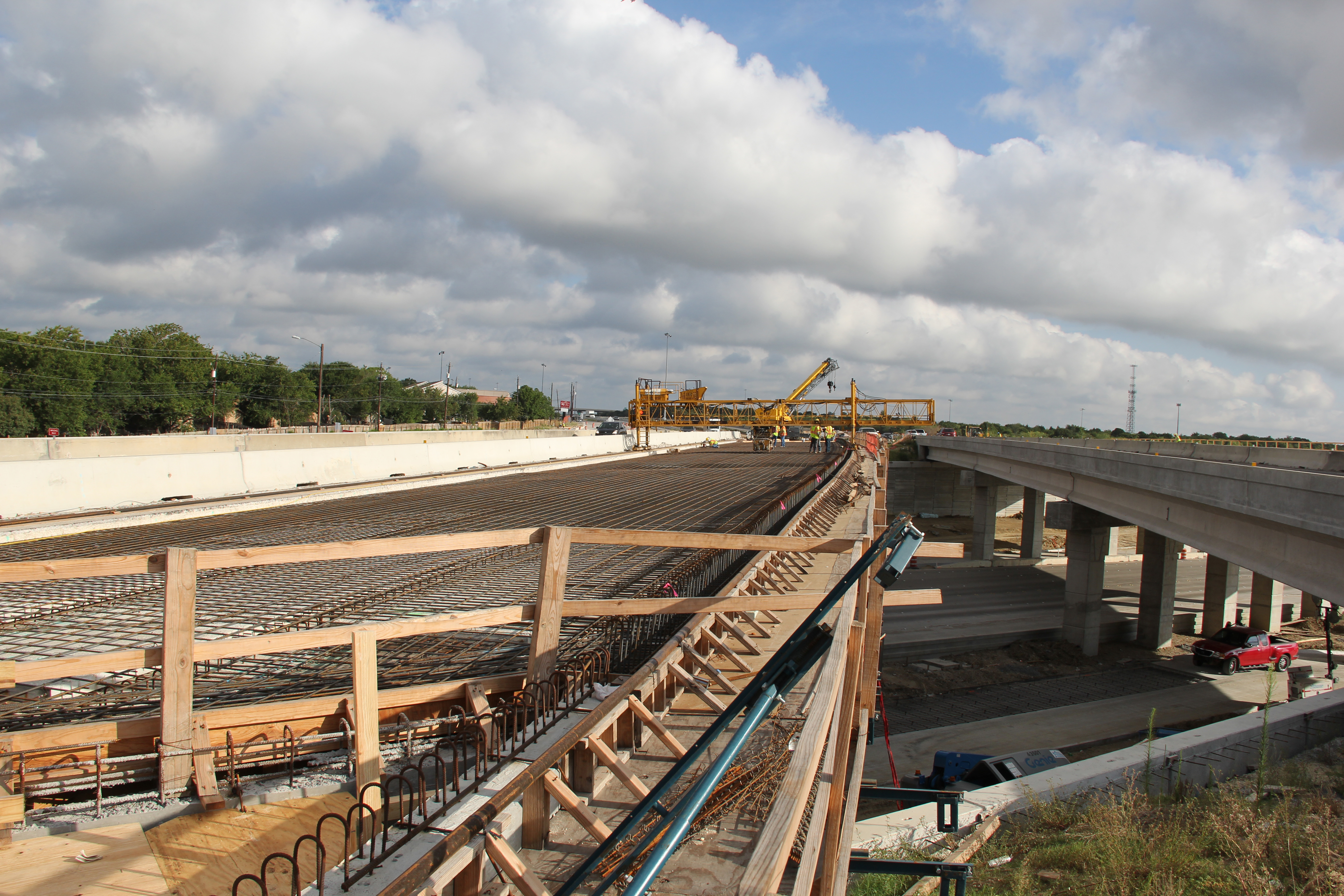 Bridge Widening on Southbound US 183 at Manor Road